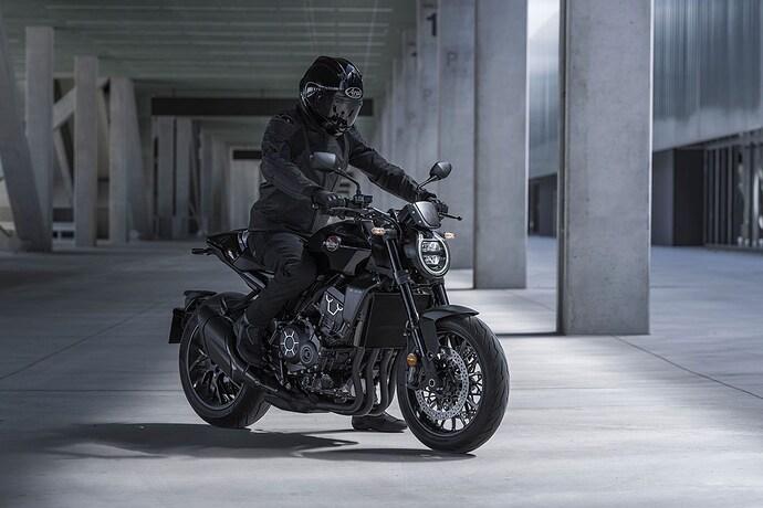 Honda-CB1000R-01