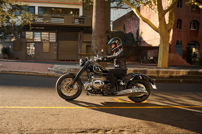 P90386310_highRes_the-bmw-r-18-04-2020