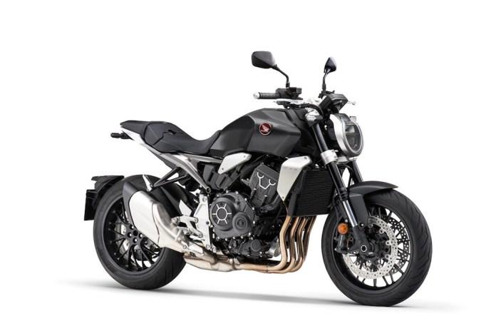 2021-Honda-CB1000R-01
